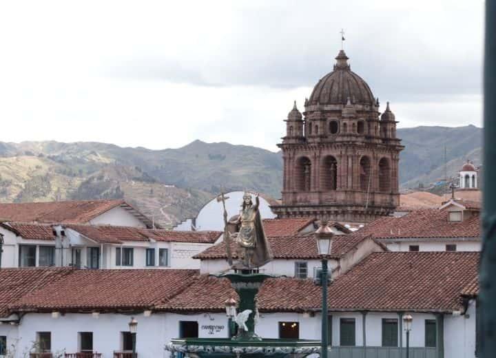 plaza de armas cusco-min