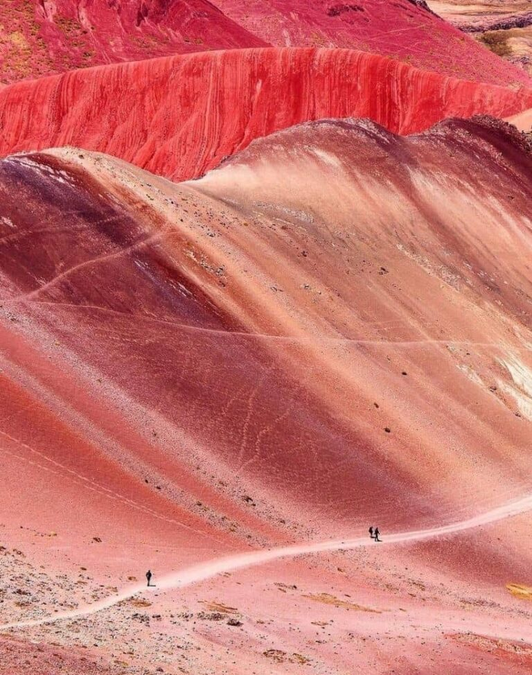 red valley 820x1040-min